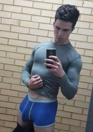 BLACK ESCORT GAY PARIS SEXE A RODEZ