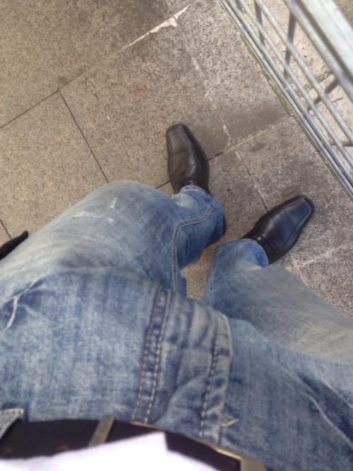Nantes : Bite moulée dans mon jeans