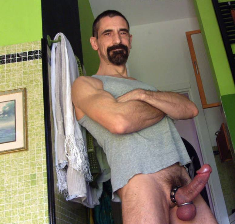 Mature daddy gay bite longue