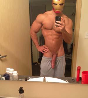 Qui veut niquer avec Iron man version homo ?