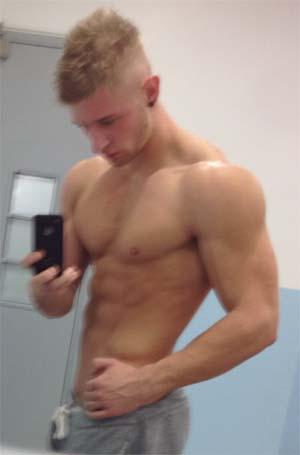Blond athlétique bisexuel veut discrétion