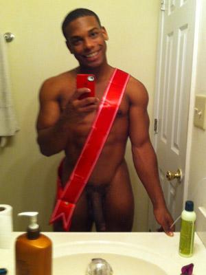 Black pour baise hard pour la St-Valentin avec mec gay