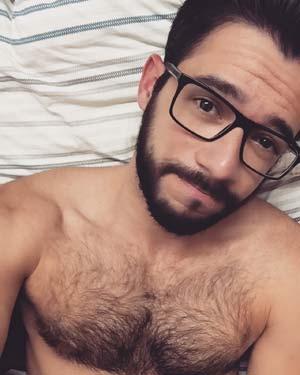 Homosexuel barbu prêt pour orgies sur Toulon