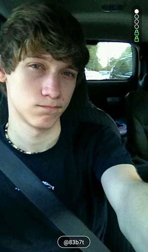 Castres : Jeune gay18 ans cherche pénétration