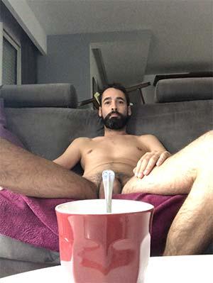 Café double crème pour cet homo de Vitry