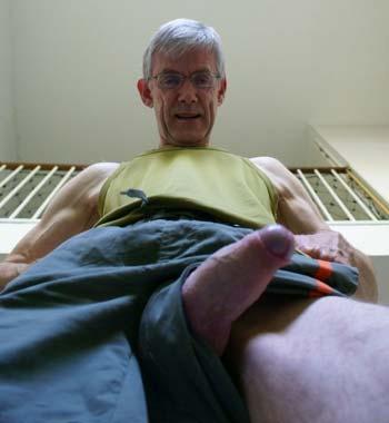 Lorient : Grand-papa homo à belle teub
