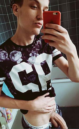 Toulousain gay 25 ans queue 22 cm