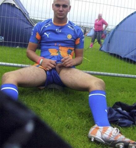 Footballeur homo très exhib sur Nice