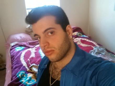 Latino boy velu sur Annecy