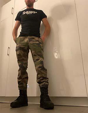 Military boy a grosse tige de Marseille