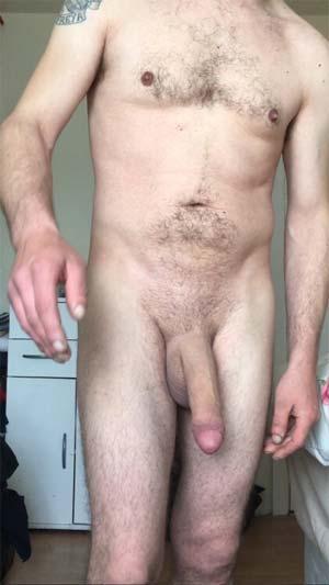 Papa gay grosse queue et big couilles sur Trappes