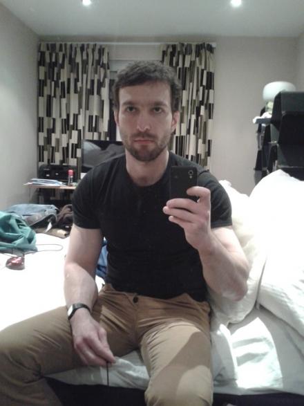 Nantes 44000 : Fred homosexuel veut des rencontres