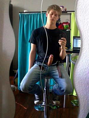 Tafiotte de 19 ans s'ennuie à Paris, 9ième